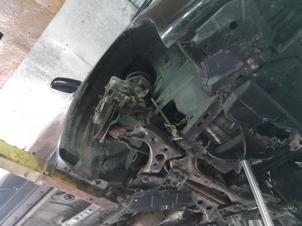 ремонт робота Toyota Corolla